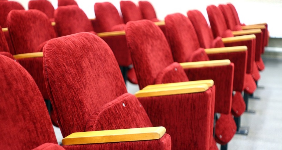 В Рязани при эвакуации ТЦ детей оставили в кинозале