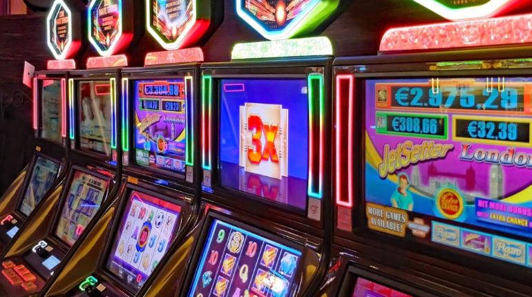 Игровые автоматы прокуратура казино рояль ost