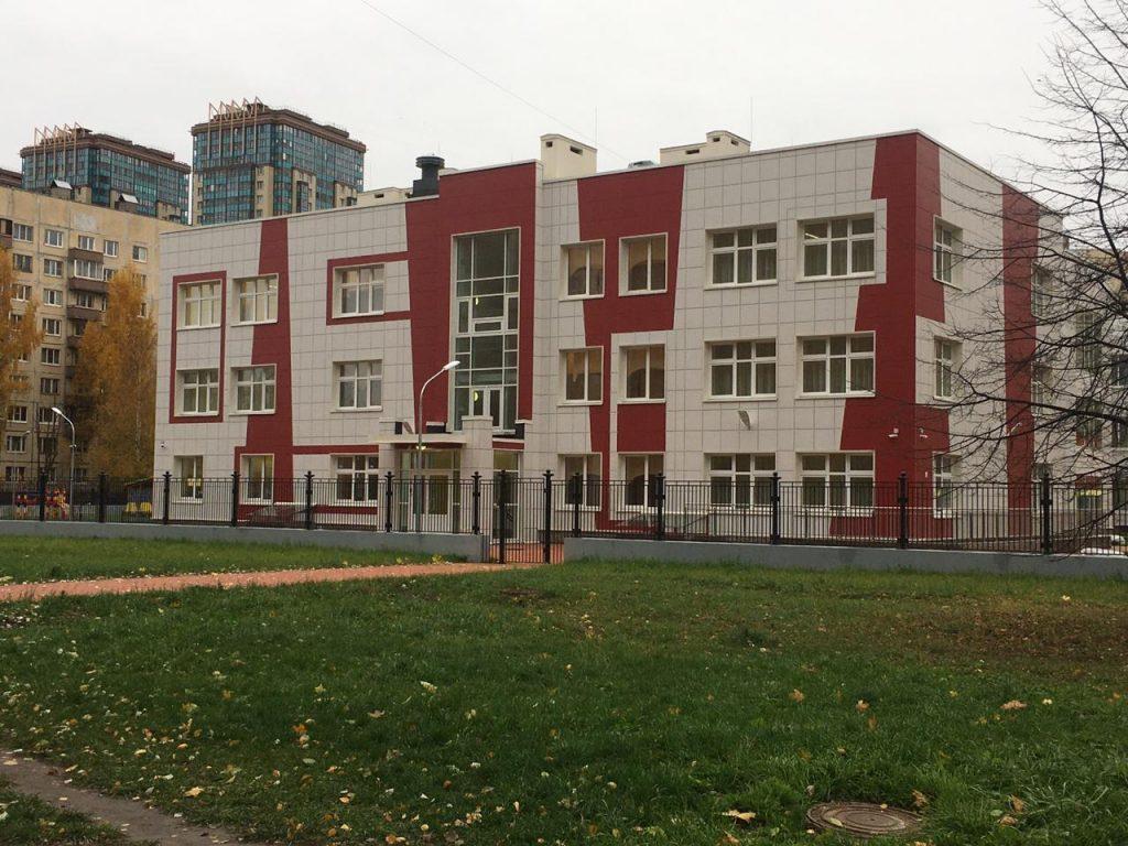 Беглов сообщил о двукратном сокращении очередей в детсады