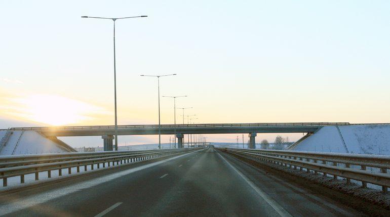 Водителям разрешили гонять на 130 км/ч по трассе М-11 из Петербурга в Новогород