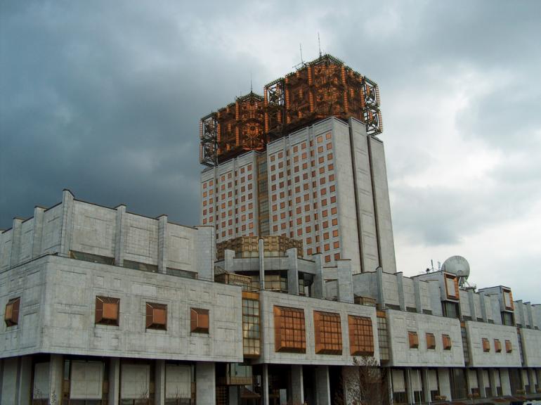 РАН попросил Минобрнауки не изолировать российских ученых от иностранных