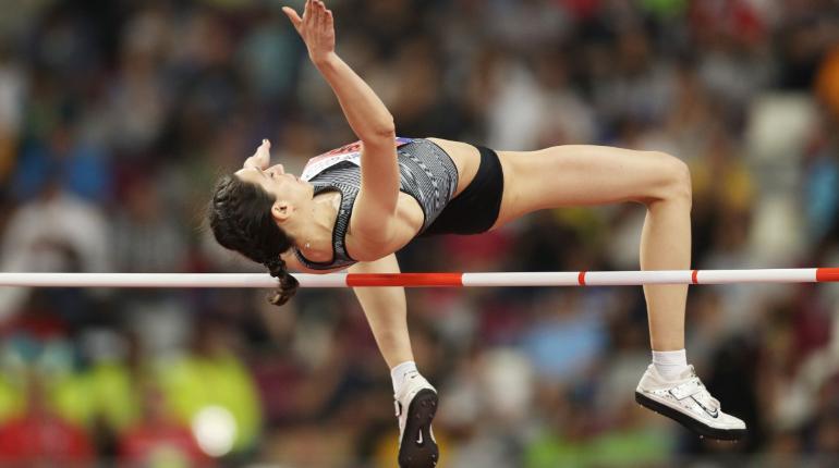 Россиянка Ласицкене стала первой в истории трехкратной чемпионкой по прыжкам в высоту