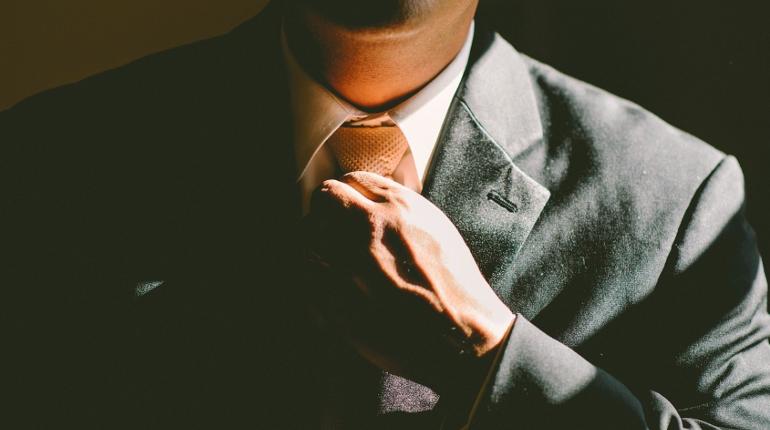 Бритвы и галстуки: что мужчинам чаще всего дарят на 23 февраля