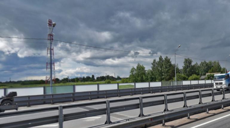 Из водоема в Ленобласти вытащили труп в мешке с кусками бетона