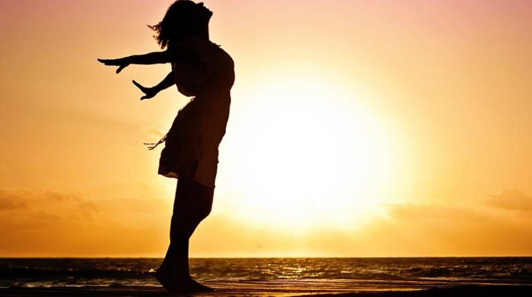 Больше половины опрошенных людей на планете считают себя счастливыми