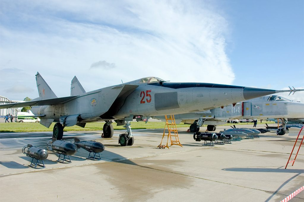 Перепугавший американцев советский МиГ-25 в США назвали «бесполезным»