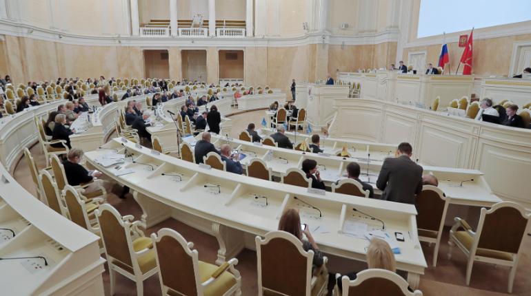 Корректировка бюджета Петербурга отправилась на подписание губернатора