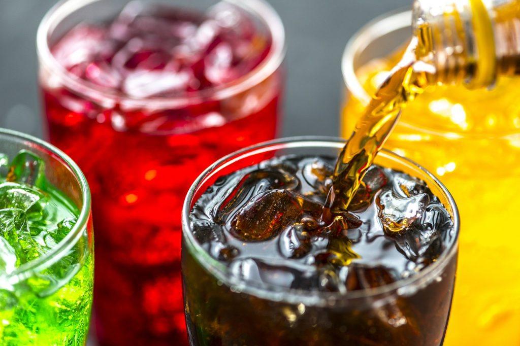 Ученые определили новую опасность газированных напитков