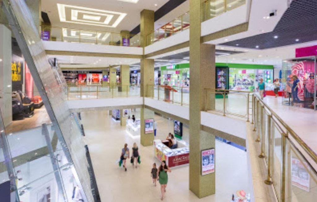 Торговые центры Петербурга нарушают санитарные стандарты