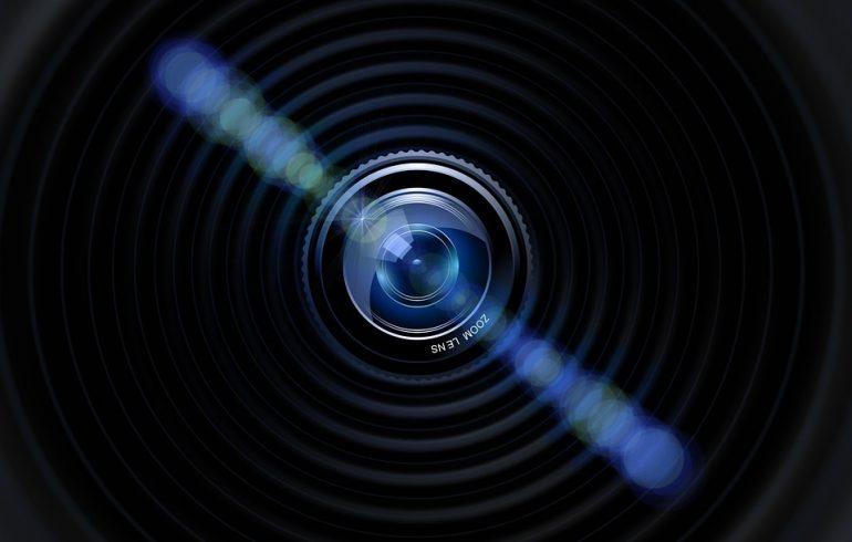 Петербуржцу грозит срок за незаконную видеослежку