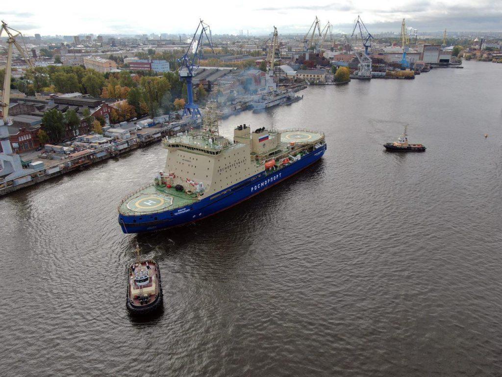 Ледокол «Виктор Черномырдин» вышел в Финский залив на первые испытания