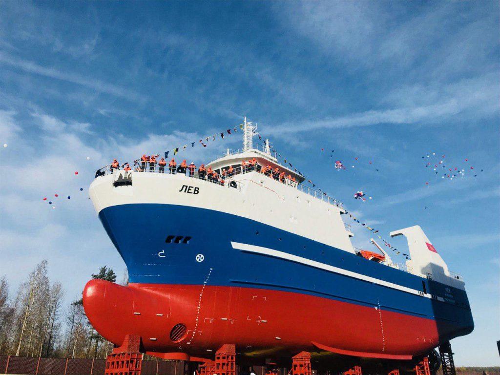 Судозавод «Пелла» спустил на воду четвертый траулер для мурманских рыбаков
