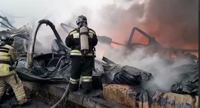 Пожар на Софийской потушили через 13 часов: смотрите, каким он был