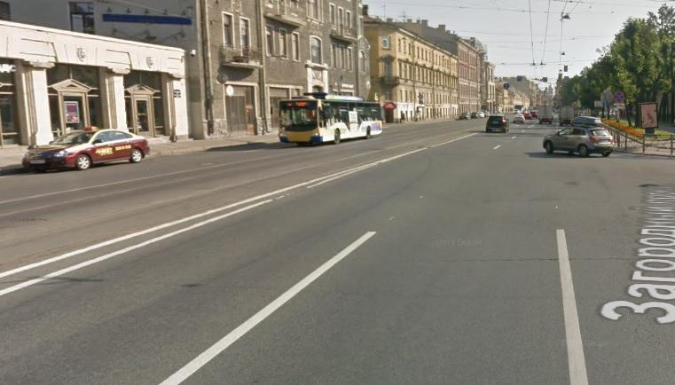 В центре Петербурга молодой юрист лишился 200 тысяч рублей