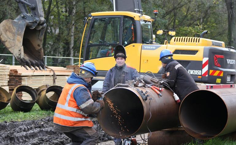 Озябших жителей Купчино переключат на временный трубопровод до вечера