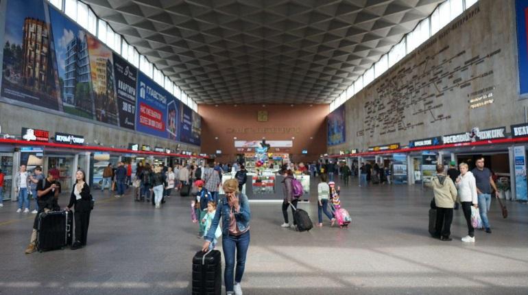 Находящегося в розыске за грабеж оренбуржца задержали на Московском вокзале