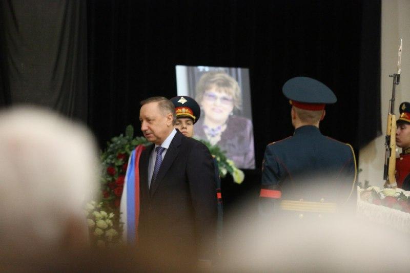 Беглов приехал на прощание с бывшим ректором СПбГУ Людмилой Вербицкой
