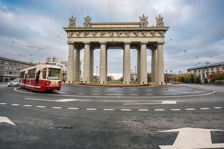 Первый в России трамвай на водороде проехал по Московскому проспекту