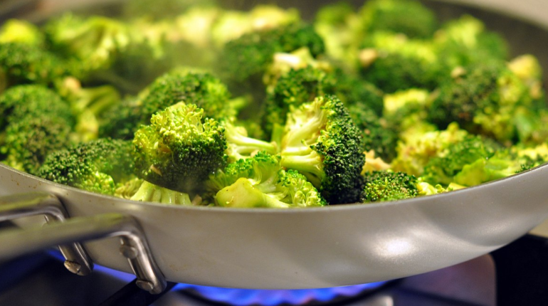 Ученые назвали овощ, защищающий от рака, диабета и болезней сердца