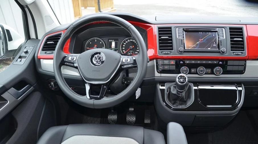 Volkswagen анонсировал продажи обновленного Tiguan в России