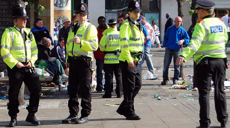 Двое британских полицейских сломали туалет во время секса