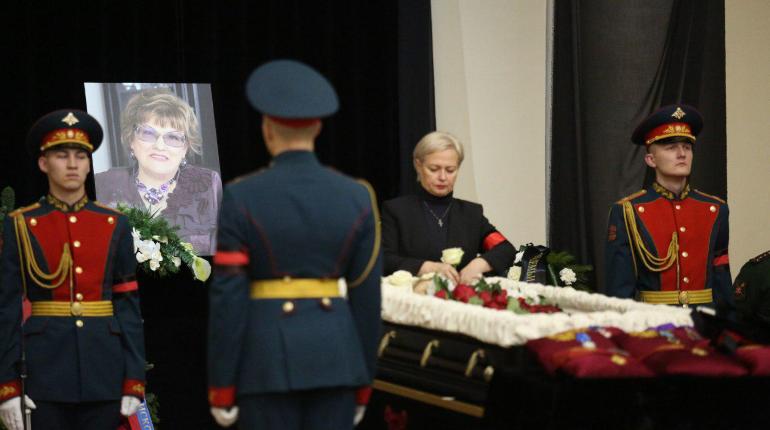 Панихида по Вербицкой: кто приехал проститься с экс-ректором СПбГУ