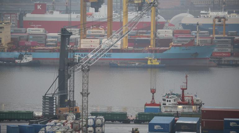 В Петербурге разгружают судно с урановыми «хвостами»