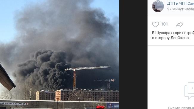 Черный дым закрыл небо в Шушарах