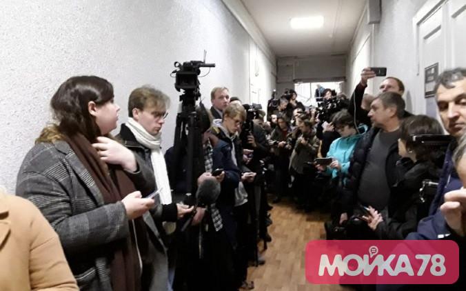 Заседание по делу Соколова задерживают уже на 50 минут