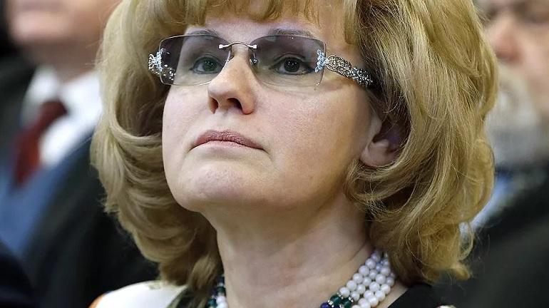 Три процента школьников Петербурга не могут перейти на дистанционное обучение. У них нет компьютеров