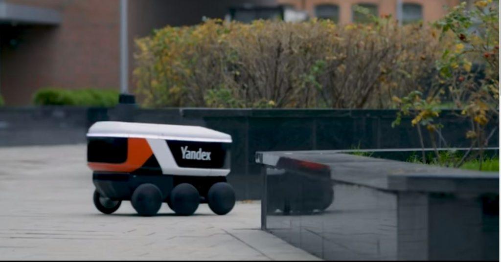 «Яндекс» представил автономного робота-доставщика