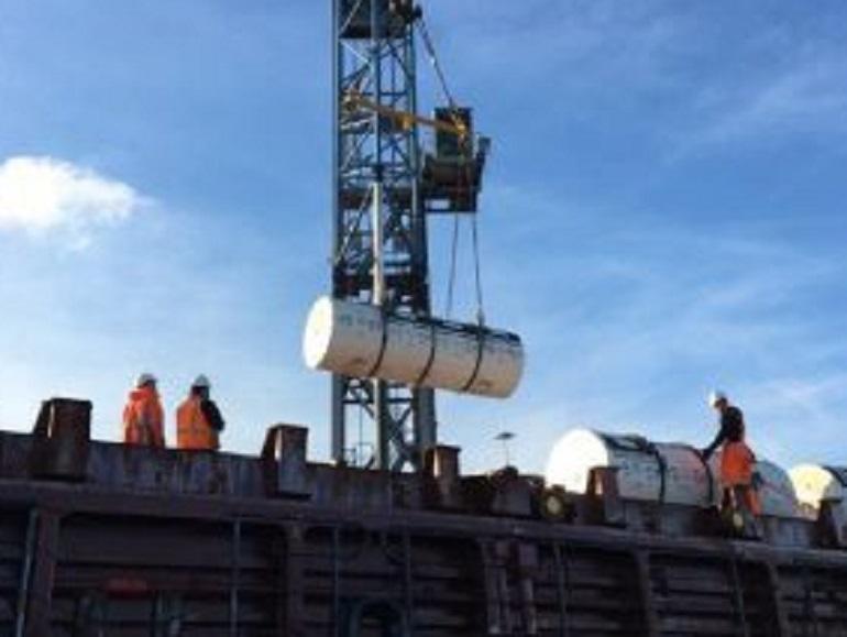 Корабль с урановыми «хвостами» бросил якорь на Канонерке