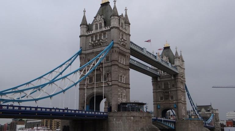 Террориста в Лондоне обезвредили бивнем морского единорога