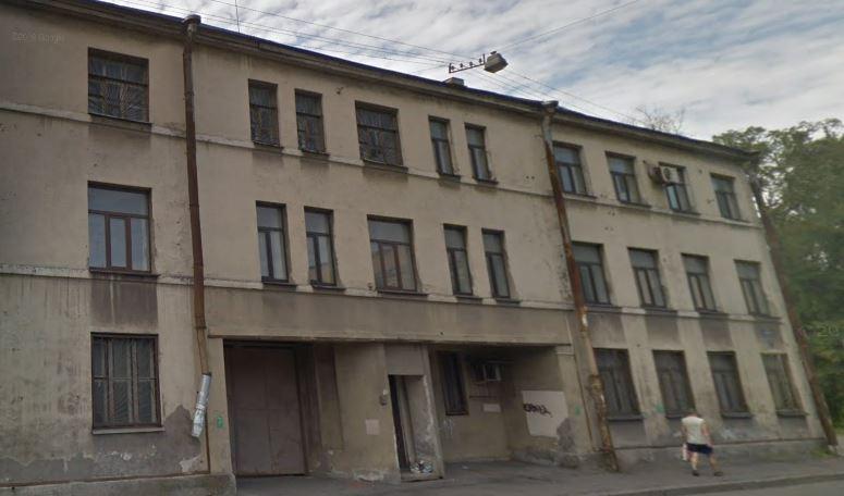 Стройка возле злополучного дома на Двинской улице в Петербурге временно приостановлена