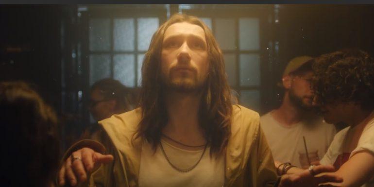 Шнуров извинился перед верующими за свой клип на песню I_$uss