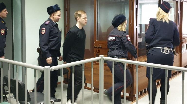 Вся молодость — за решеткой: защита и обвинение оценили приговор «особо жестокому убийце»