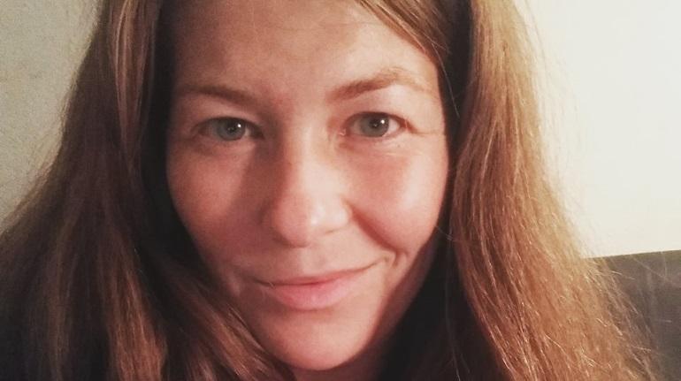 Анастасия Дмитриева дарит тепло бездомным