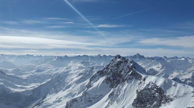 Во французских Альпах два человека погибли и один пострадал
