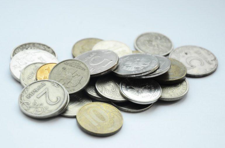 Экономист указал на виновного в обвале курса рубля