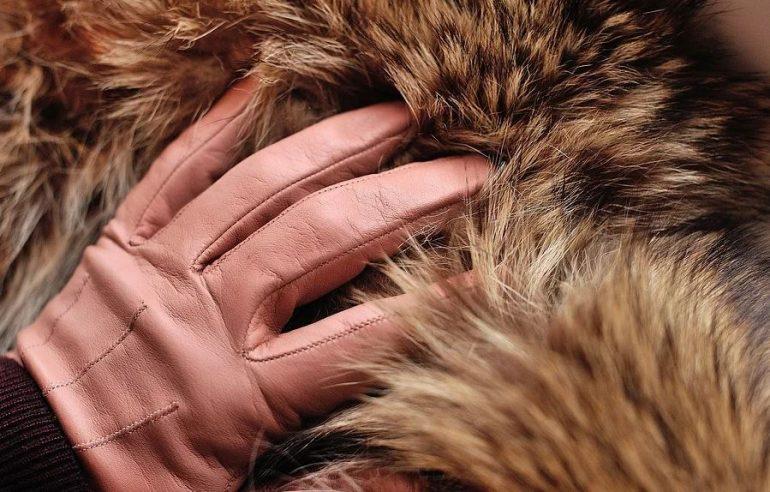 Под видом норковой шубы торгаши в Гатчине продали синтетику пенсионерке