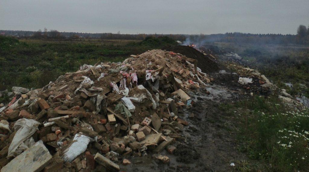 В двух районах Ленобласти строители испортили плодородные почвы