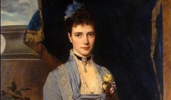 На выставке «Тобой был так украшен свет» покажут наряды императрицы Марии Федоровны