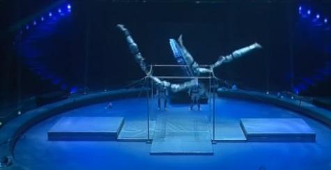 Аскольд Запашный привез в Петербург собственное шоу «Инопланетный цирк»
