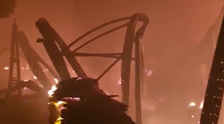 МЧС показало руины на месте горящего склада на Салова