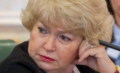 Нарусова отругала Собчак за хайп на «смертельно больной старухе-матери»