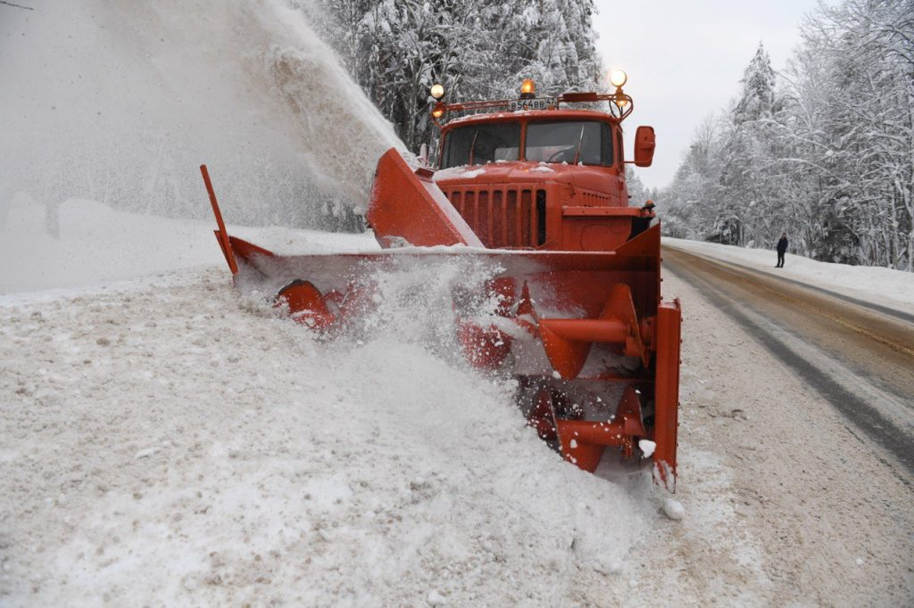 Дорожники Ленобласти побили первый снежный рекорд