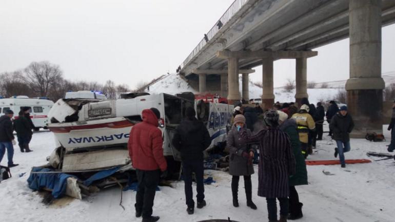 В Забайкалье после ДТП спасли ребенка беременной пассажирки автобуса