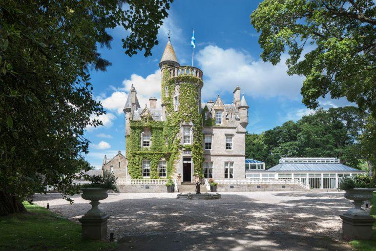 В Шотландии объявили конкурс на бесплатную жизнь в замке с дворецким