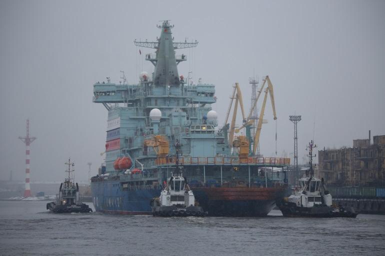 Мощнейший ледокол «Арктика» передадут Росатому со сломанным двигателем