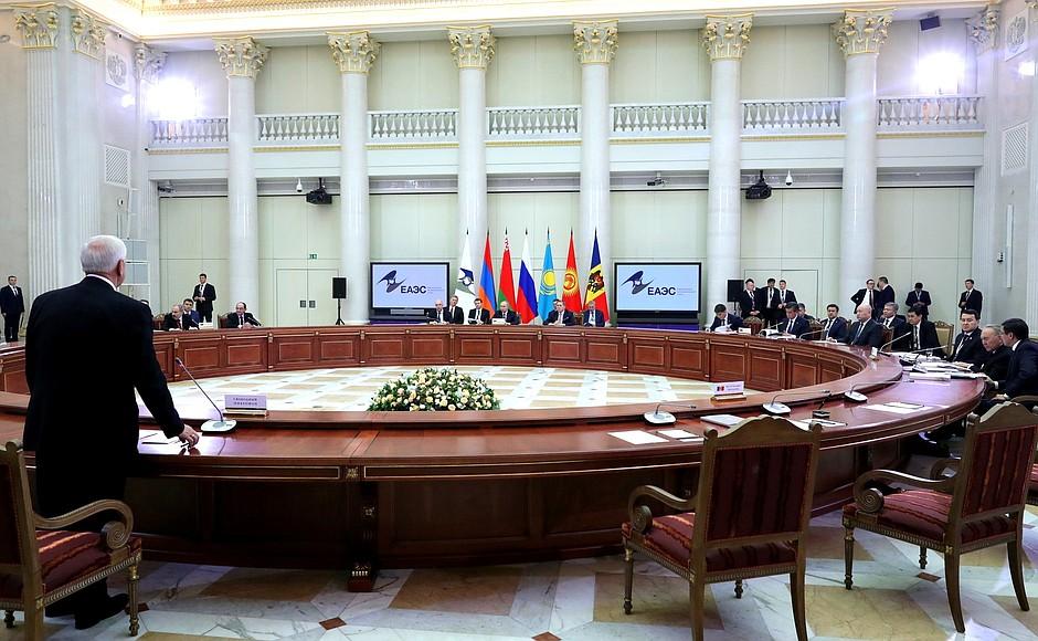 Высший Евразийский экономический совет на заседании подписали 12 документов